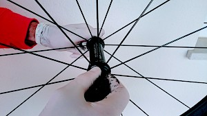 Buyers guide to Second hand carbon cycle wheels - 1 bearings
