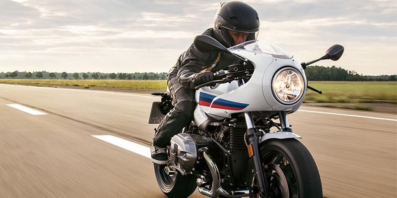 BMW R Nine T racer lifestyle